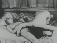 Vintage Porn from lesbo upon creampie