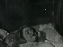 Experienced woman sucks Hawkshaw of a Grobian
