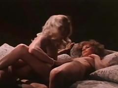 Classic sexual intercourse Lesbians!