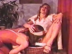 Lesbian Peepshow Coils 560 70s and 80s - Scene 2