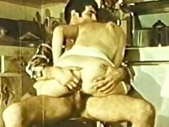 Peepshow Tortuosities 247 70s plus 80s - Scene 2