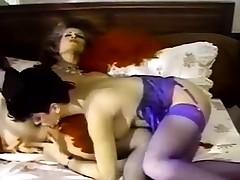 Retro Lesbo Pussy Eating Dusting