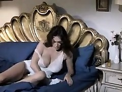 Horny Mature Woman Wanting Some Blarney