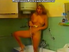 Girls masturbation turned nearby lesbi orgasm