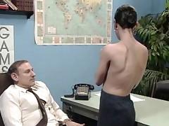 Old boss on tap desk job getting a blow job